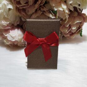 Masni díszes ajándékdoboz karkötőknek 8 x 5 cm barna
