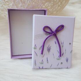 Masnis virág mintás ajándékdoboz karkötőknek 7 x 9 cm lila