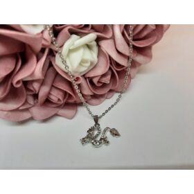 Sárkány medálos ezüst színű nyaklánc, strasszkövekkel díszítve