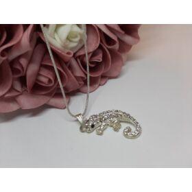 Gekko medálos ezüst színű nyaklánc, strasszkövekkel díszítve