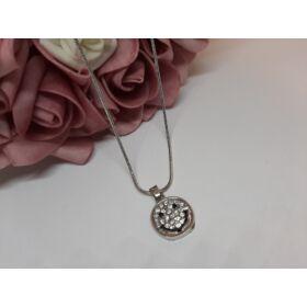 Smile medálos ezüst színű nyaklánc, strasszkövekkel díszítve