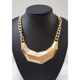 Elegáns láncos nyaklánc arany színben