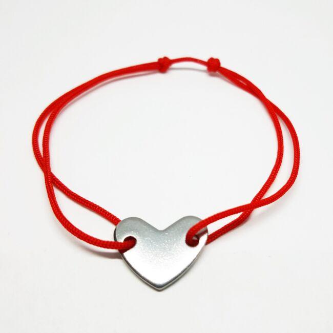 Rozsdamentes acél szív medálos zsinór karkötő