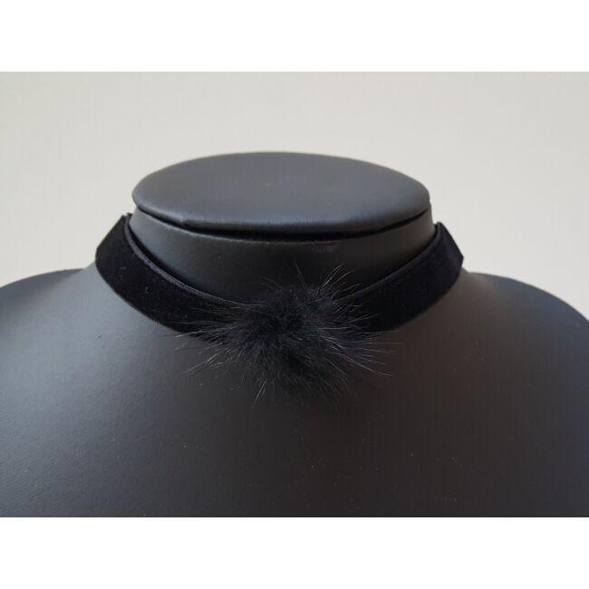 Pom pom díszes choker nyaklánc fekete