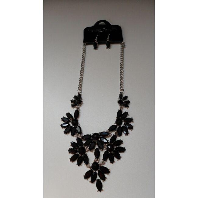 Virág mintás nyaklánc, fekete