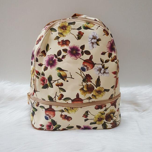 Virág mintás női hátitáska