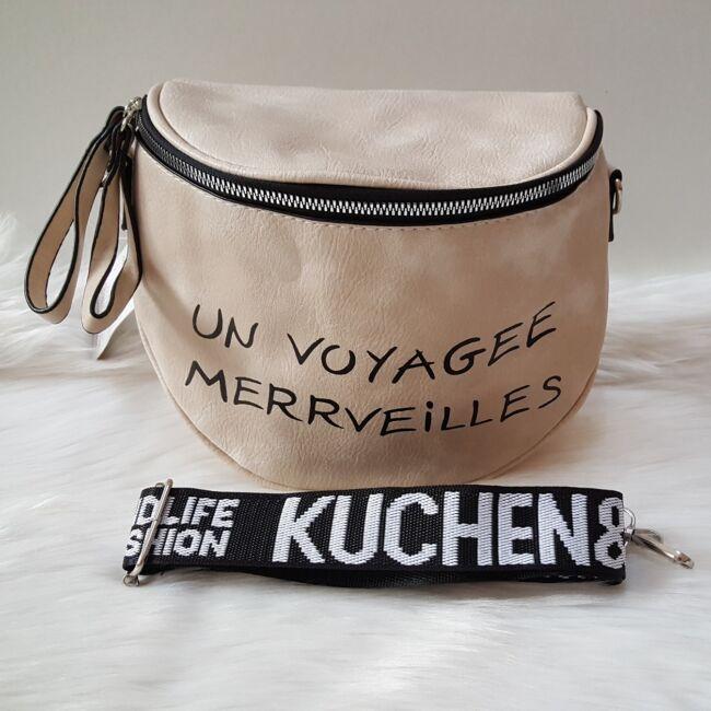 Keresztpántos női táska felirattal vajszínű